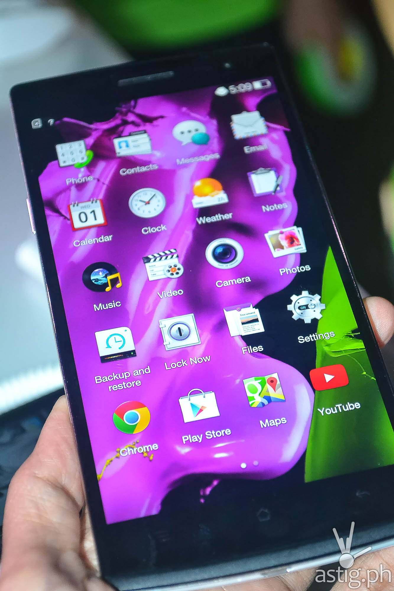 OPPO Find 7 ColorOS home screen