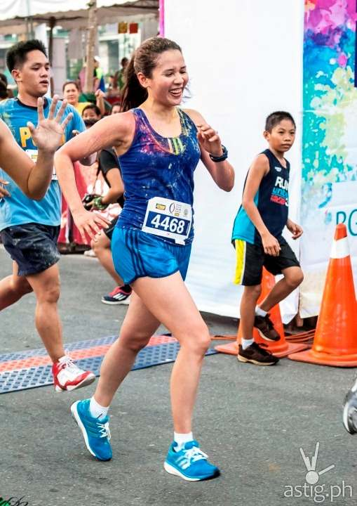 Karylle at the DZMM Tulong Na, Tabang Na, Tayo Na, Takbo Na color fun run