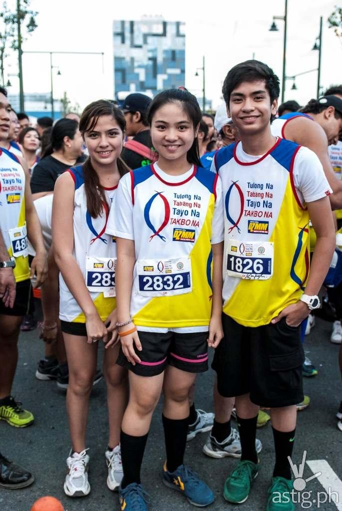 Luv U cast members Alexa Ilacad, Sharlene San Pedro, and Jarius Aquino at the DZMM Tulong Na, Tabang Na, Tayo Na, Takbo Na color fun run