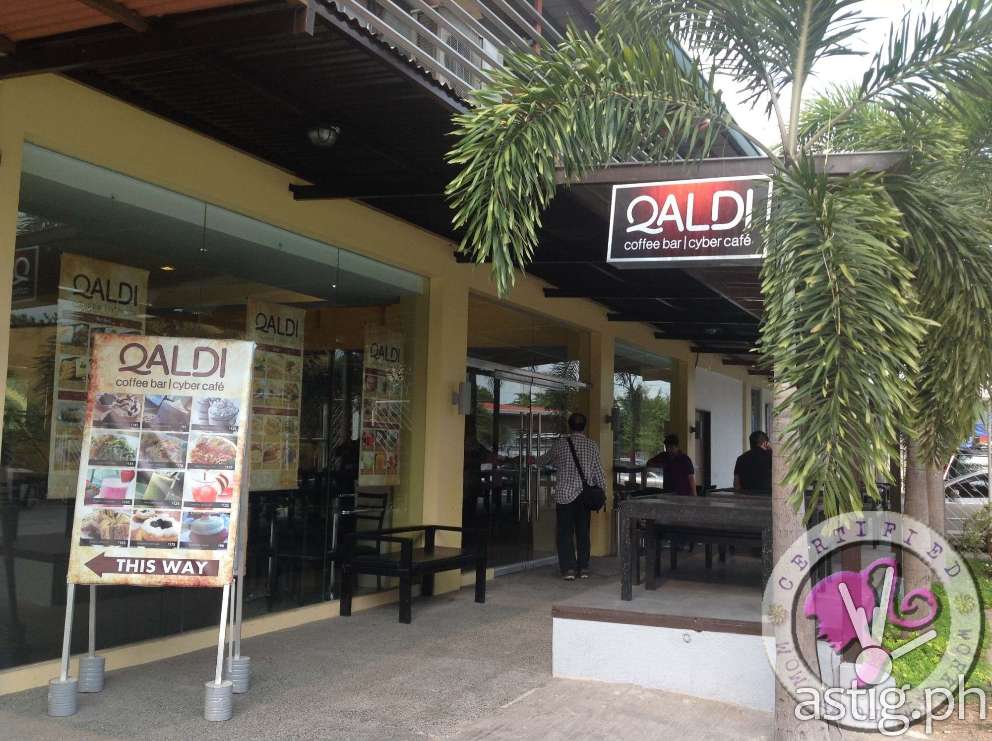 View from outside the Qaldi's Cafe