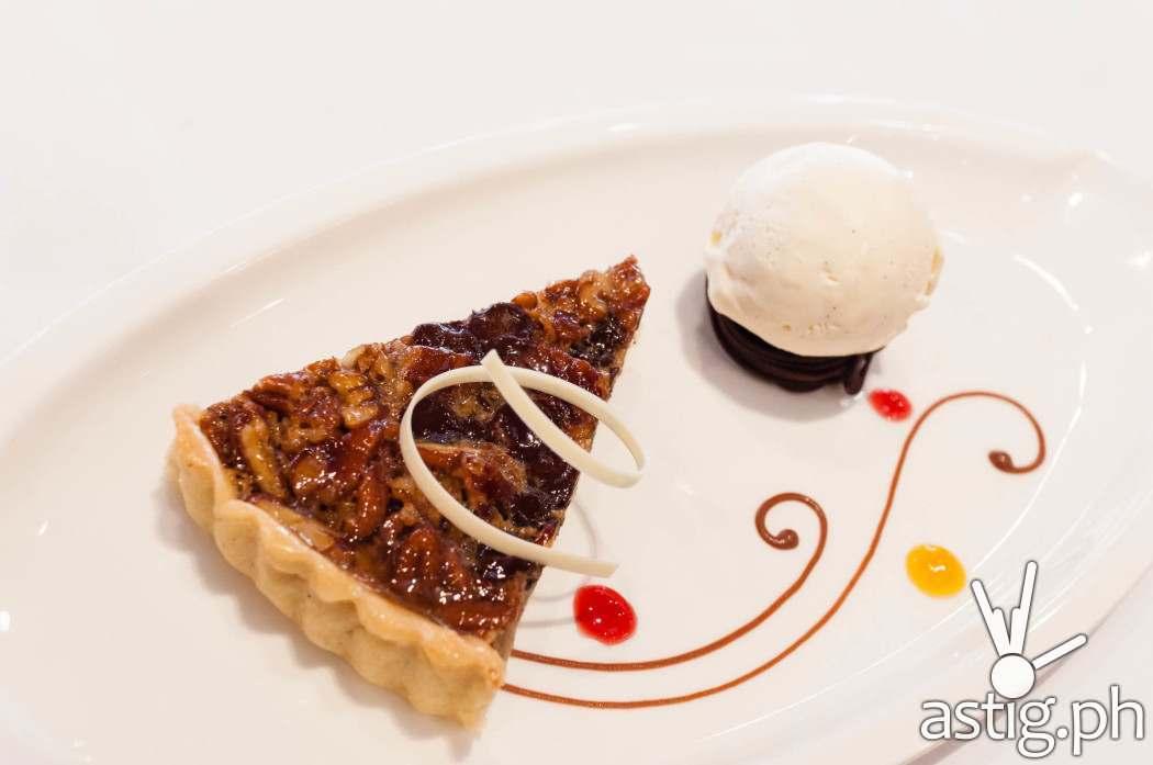 Pecan pie with vanilla ice cream