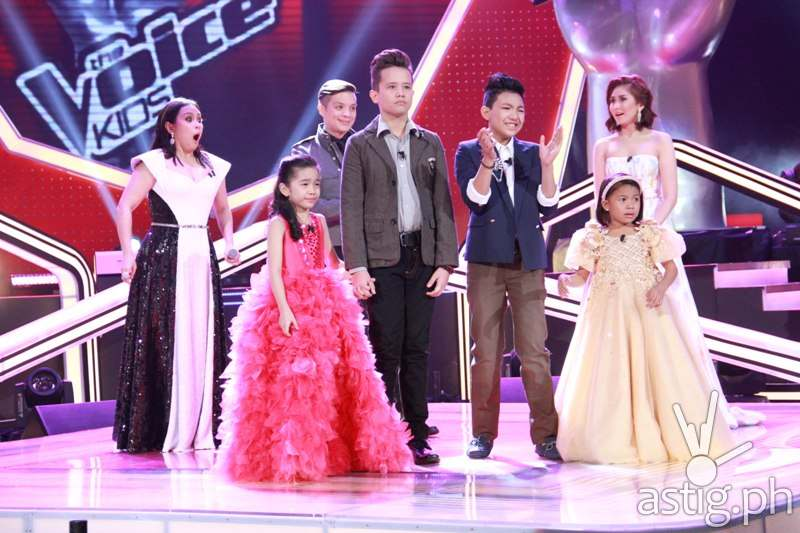 Darlene, Juan Karlos, Darren, and Lyca with their coaches during the announcement of the grand champion