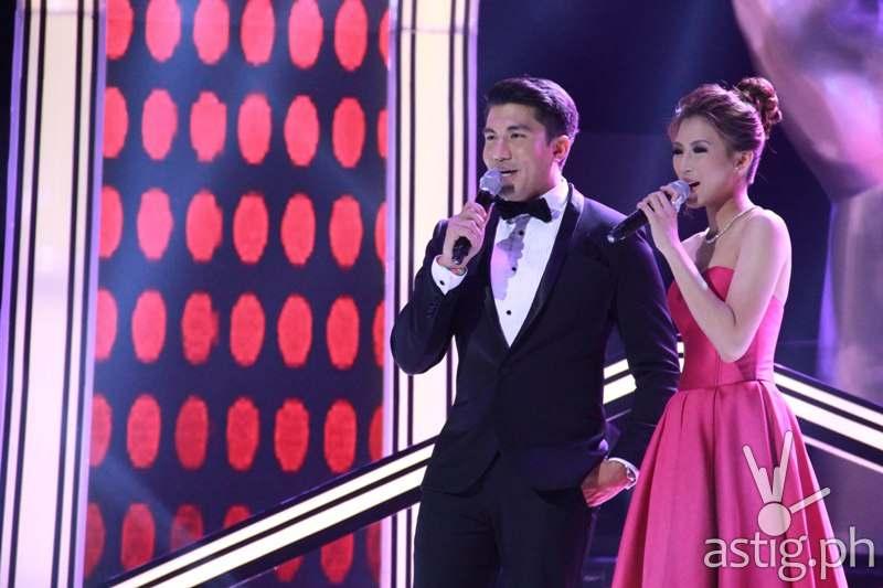 Hosts Luis Manzano and Alex Gonzaga