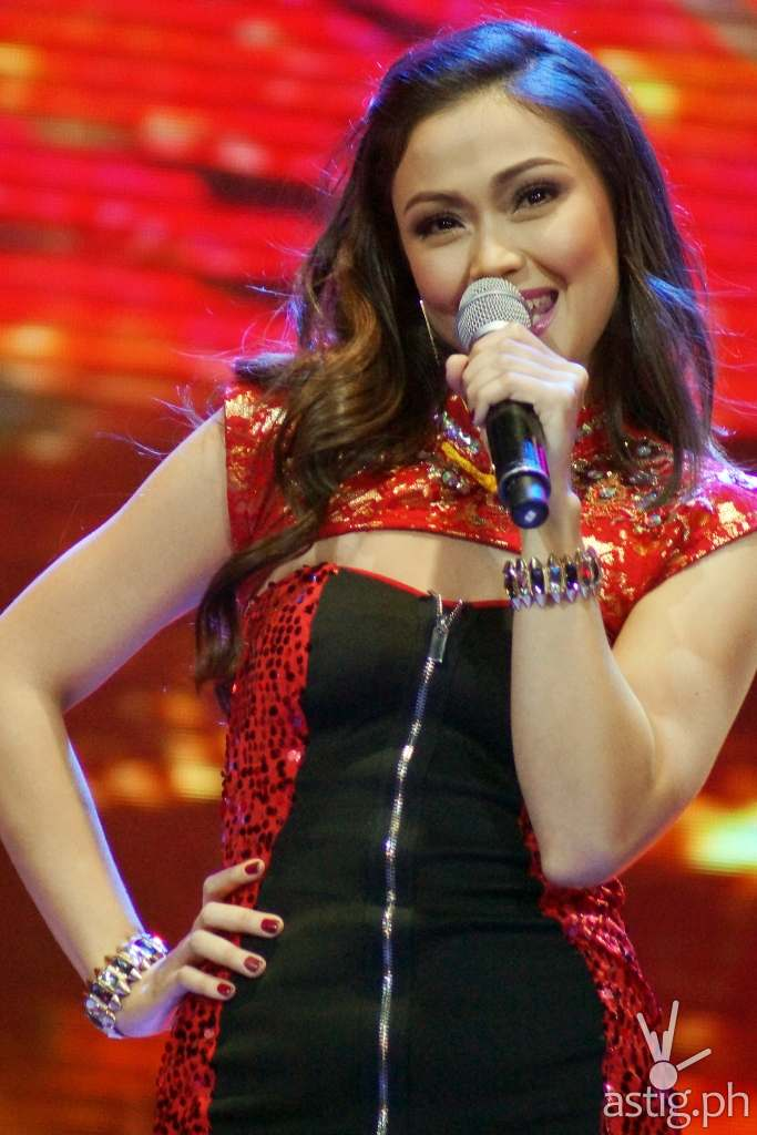 Jodi sang 'Only Girl In The World' and 'Chinito' during the I HEART YOU 2 Anniversary Thanksgiving