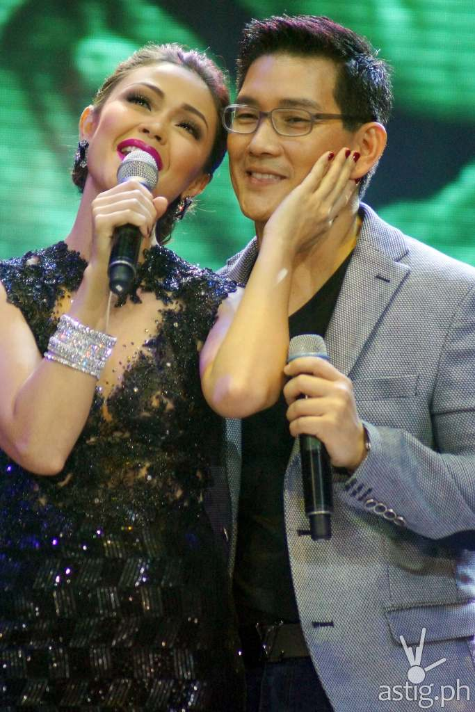 One of the sweet moments of Maya and Ser Chief at the I HEART YOU 2 Anniversary Thanksgiving