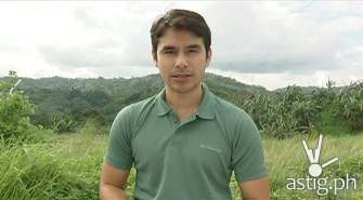 8 photos of Atom Araullo shows how to survive a landslide