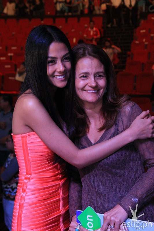Vanessa Matsunaga and mother Geralda Maria