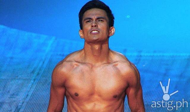 Tom Rodriguez strips at Bench The Naked Truth fashion show (iamMYQE)