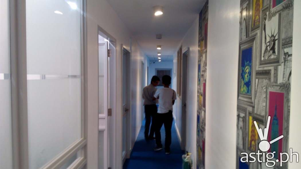 Corridors with funky design - Global Hub Serviced Office