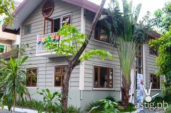 This is what a modern Pinoy home looks like