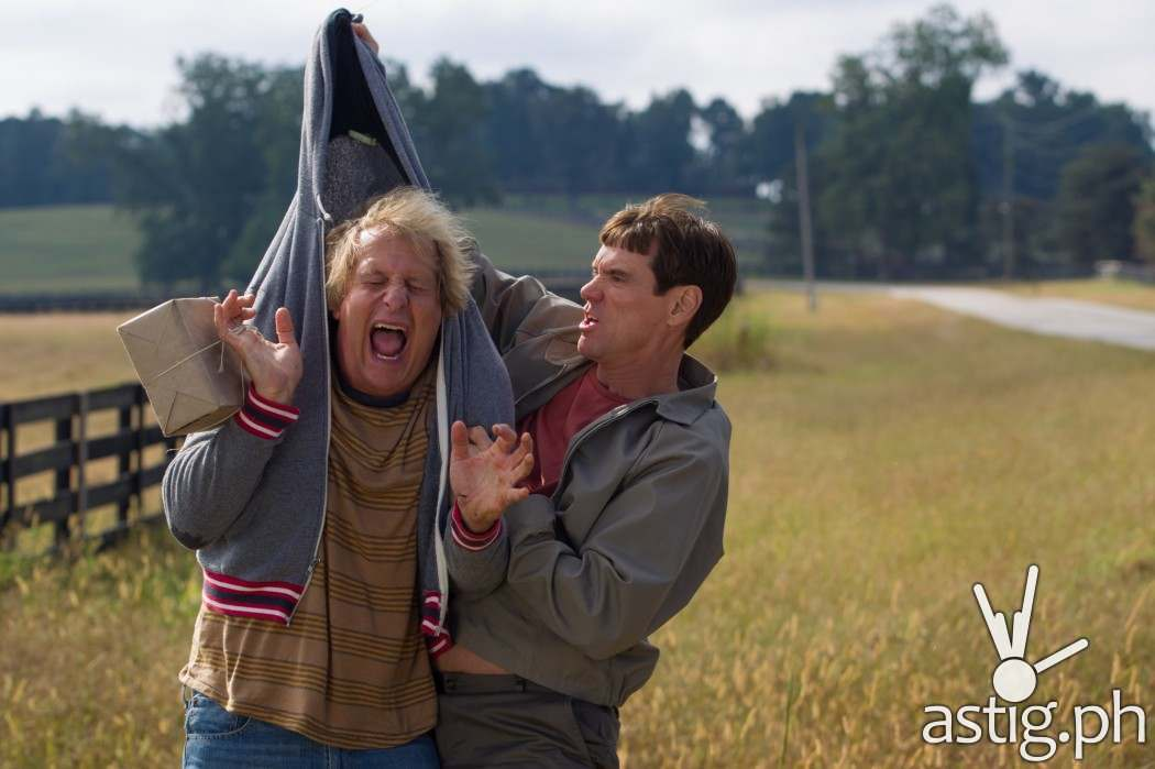 http://astig.ph/wp-content/uploads/2014/12/Jim-Carrey-Lloyd-Christmas-and-Jeff-Daniels-Harry-in-Dumb-and-Dumber-To-1050x699.jpg