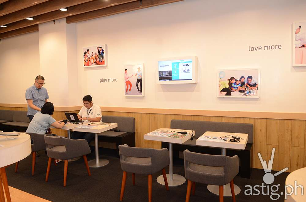 Smart Life stores draw inspiration from artisan cafes