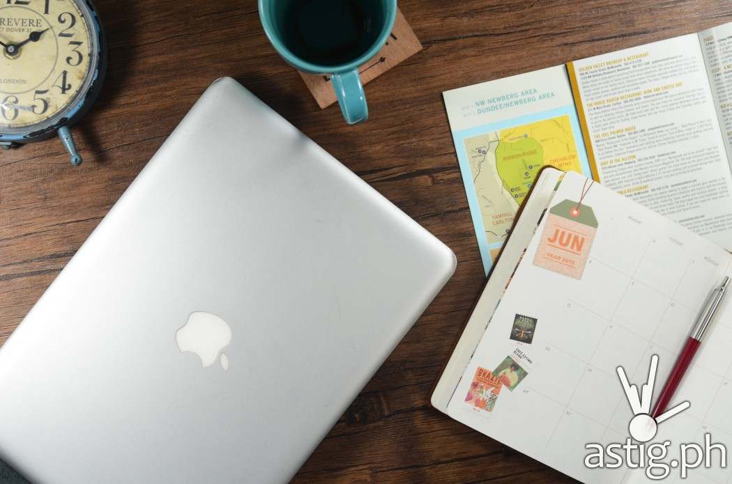 Apple 13  Macbook Pro ME865; P69,000