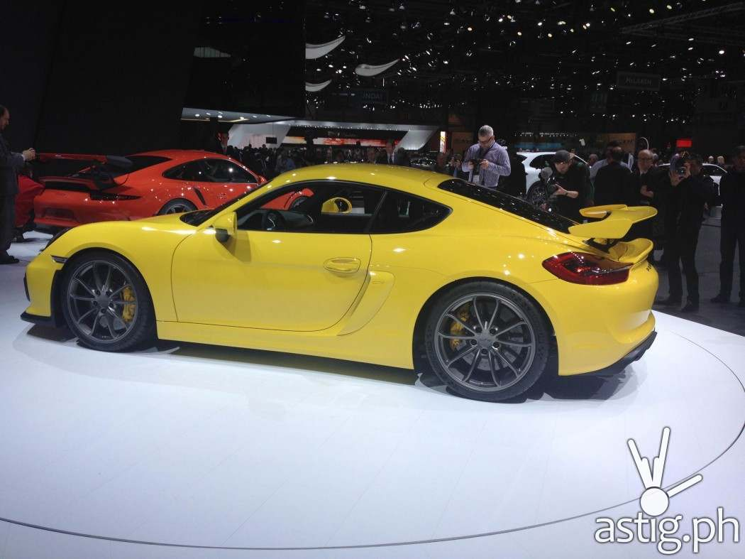 Porsche Cayman GT4 outfitted with MICHELIN Pilot Sports Cup 2 tires