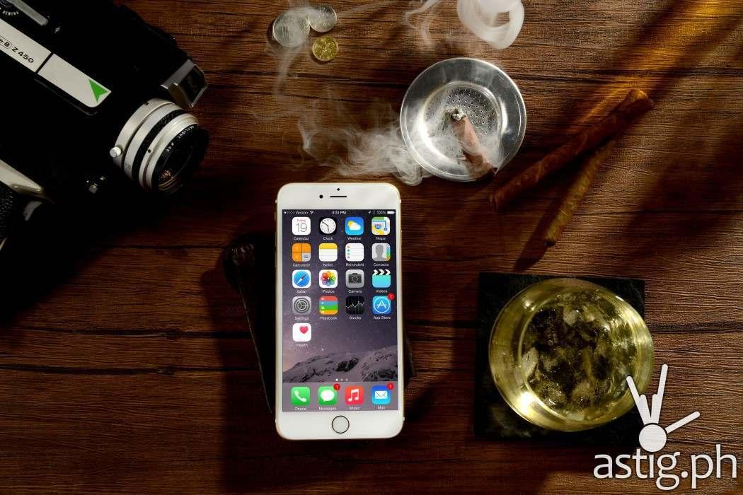 iPhone 6, 16gb (P30,380); 64gb (P35,490); and 128gb (P38,490)