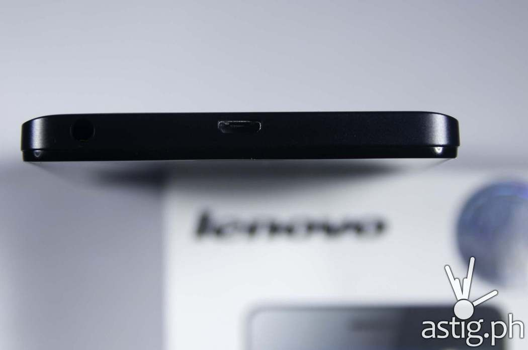 Lenovo A7000 top view