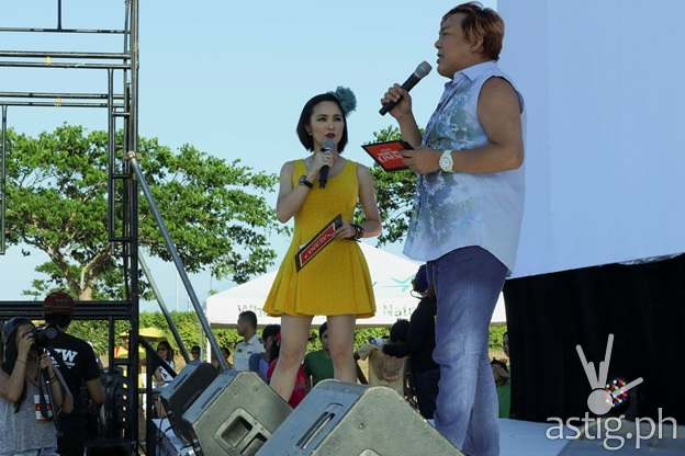 JOHN LAPUS AND KITKAT HOST OPEN AIR CINEMA ONE AT NUVALI
