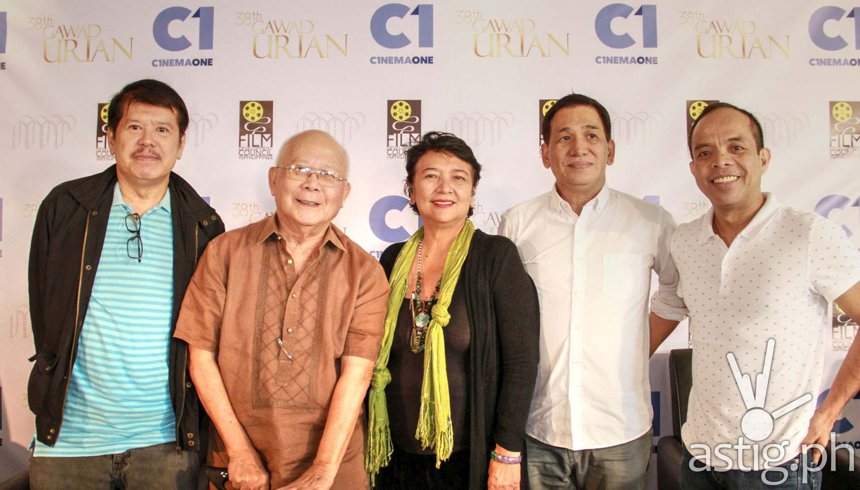 (L-R) Members of the Manunuri ng Pelikulang Pilipino Mario Hernando, Bien Lumbera, Tito Valiente, Grace Alfonso with Cinema One channel head Ronald Arguelles