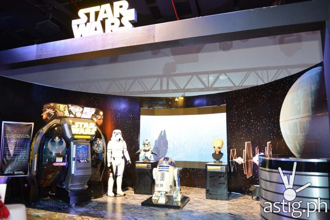 Star Wars kiosk at the Disney - Globe event