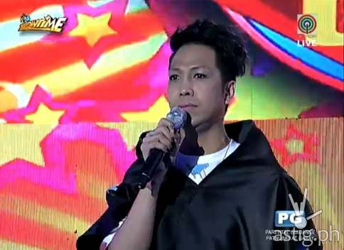 """Vice Ganda after removing his make-up, contact lens, and hair extension in """"It's Showtime"""""""