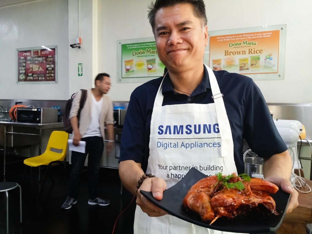 Gerry San Miguel (dude4food.blogspot.com) shows off his masterpiece