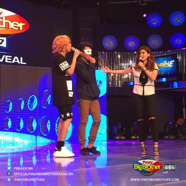 Jimboy Martin - Barrio Rapper ng Nueva Vizcaya introduced by Vice Ganda and Anne Curtis on It's Showtime