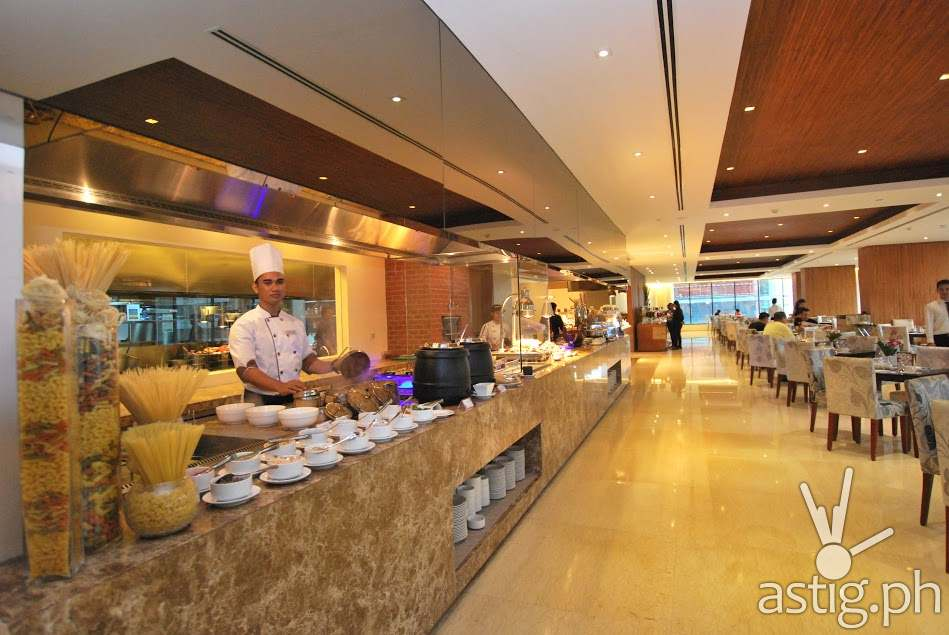 Action Stations Serve As the Focal Point Of The Morning at City Garden Grand Hotel Makati Spice Cafe