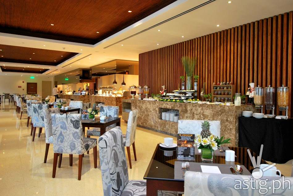 Breakfast is Served at the Spice Cafe at City Garden Grand Hotel Makati Spice Cafe