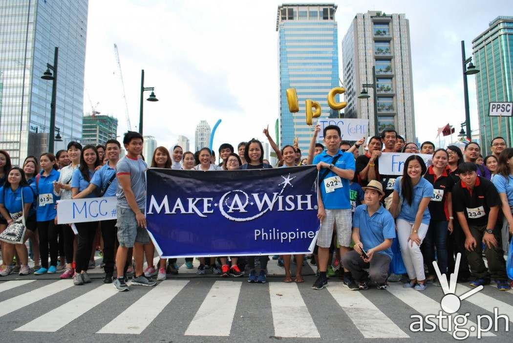Walk for Wishes participants take their places at the starting line.