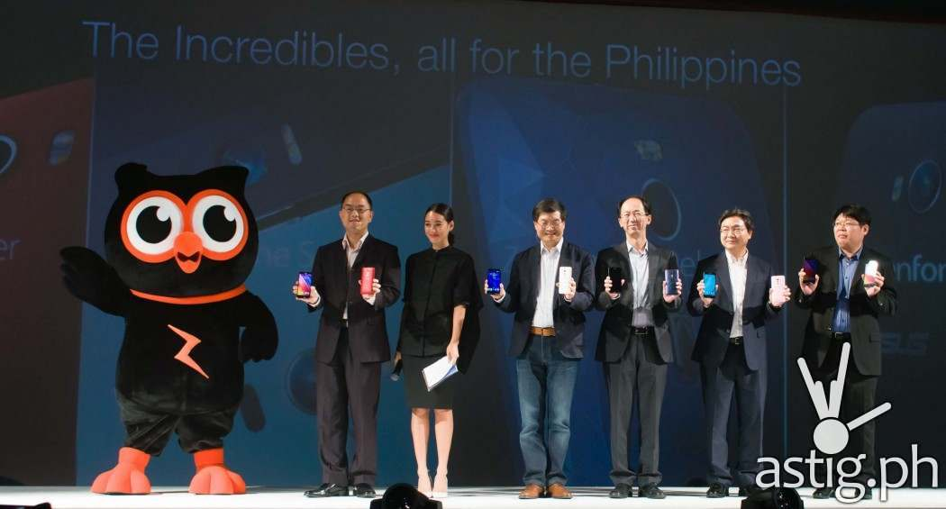 ASUS mascot 'Zeny' strikes a pose with Ms. Kim Jones and ASUS executives at ASUS ZenFestival Manila 2015