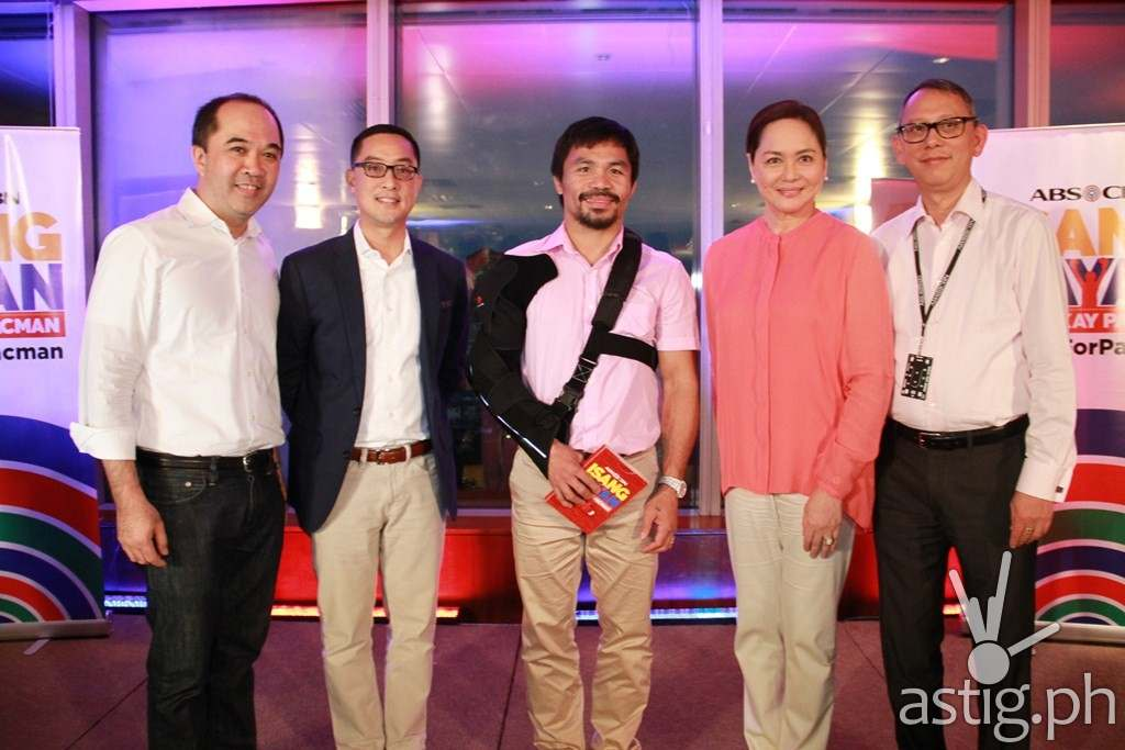 Manny Pacquiao with ABS-CBN execs (from Left) Dino Laurena, Carlo Katigbak, Charo Santos-Concio and March Ventosa