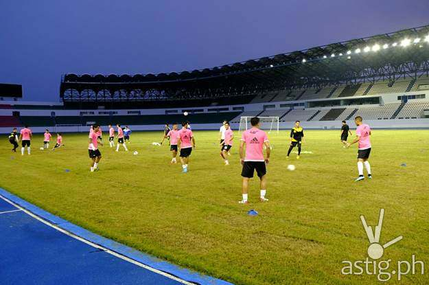 Azkals training at the Philippine Sports Stadium in Bulacan (photo Anton Sheker)