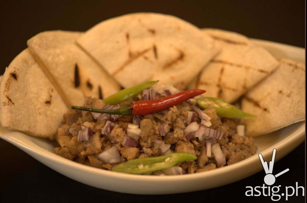 Sisig with Pita bread at Reminisque Bistro