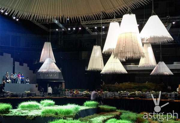 Kenneth Cobonpue used the Banawe Rice Terraces as inspiration for the setup of the APEC leaders' welcome dinner (Photo from The Philippine Star)
