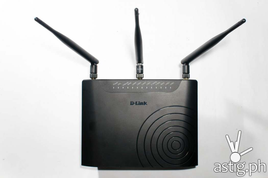 The D-Link DSL-2877AL provides superior AC750 Wi-Fi performance with 3x 5dBi external detachable antennas