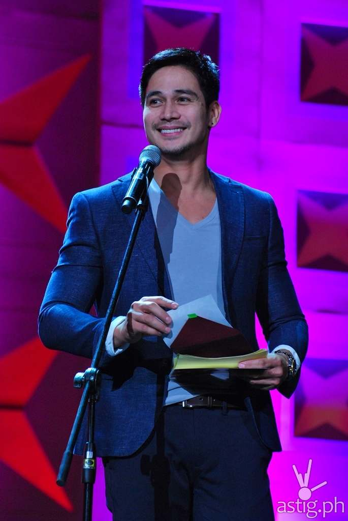 Piolo Pascual presenting the Push Elite Awards (1)