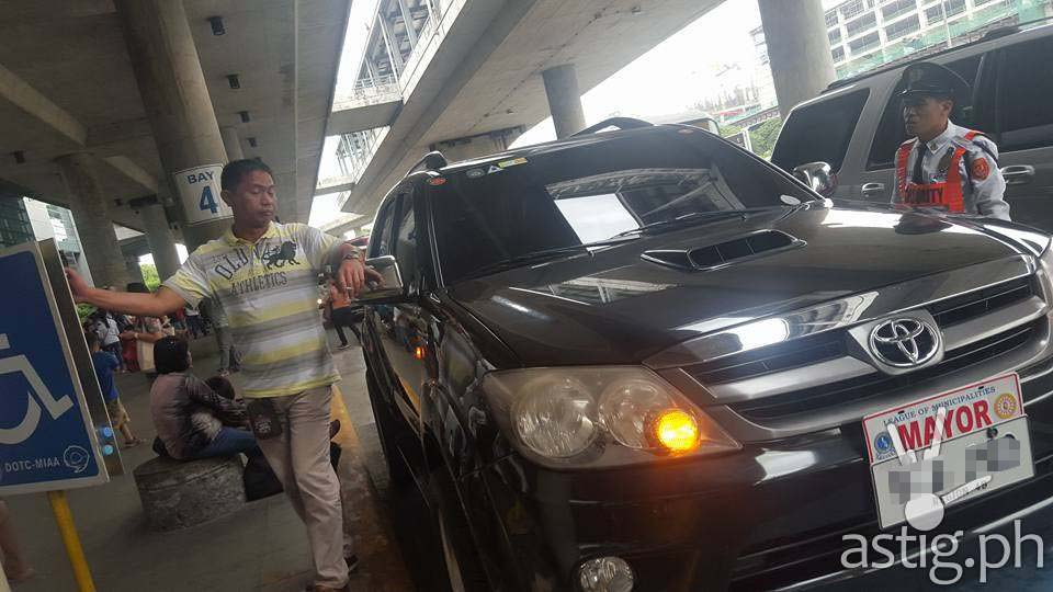 http://astig.ph/wp-content/uploads/2015/12/A-black-Toyota-Fortuner-with-plate-VRB202-and-protocol-MAYOR-plate-attached-is-seen-parked-at-the-PWD-area-of-MIAA-3.jpg