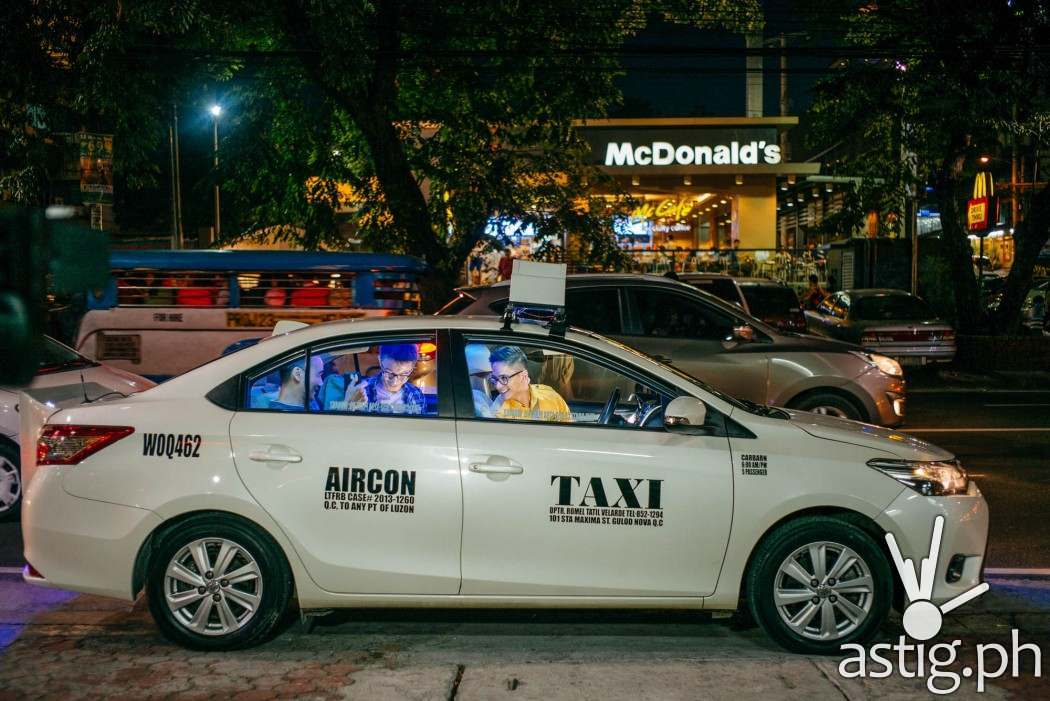The Cash Cab looks just like any other cab, but look who's driving - it's Ryan Agoncillo!