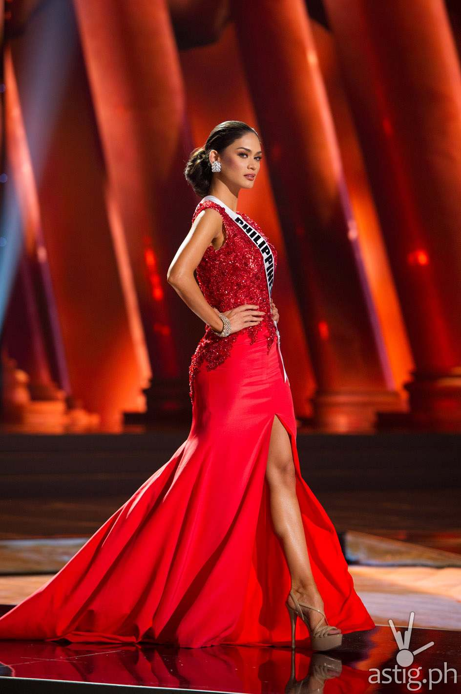 Pia Alonzo Wurtzbach, Miss Philippines 2015, competes on stage in her evening gown during The 2015 MISS UNIVERSE® Preliminary Show at Planet Hollywood Resort & Casino Wednesday, December 16, 2015. The 2015 Miss Universe contestants are touring, filming, rehearsing and preparing to compete for the DIC Crown in Las Vegas. Tune in to the FOX telecast at 7:00 PM ET live/PT tape-delayed on Sunday, Dec. 20, from Planet Hollywood Resort & Casino in Las Vegas to see who will become Miss Universe 2015. HO/The Miss Universe Organization