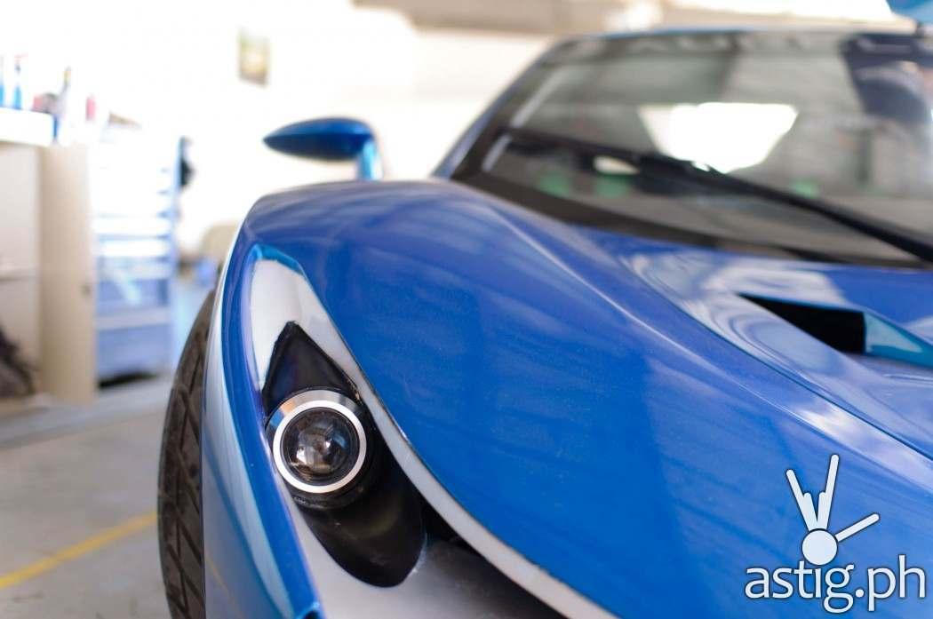 Aurelio car closeup: headlights
