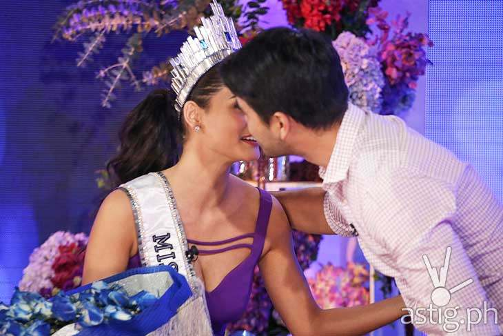 "Atom kisses Pia in cheeks after the interview that brought the twitterverse to ""kilig.:"