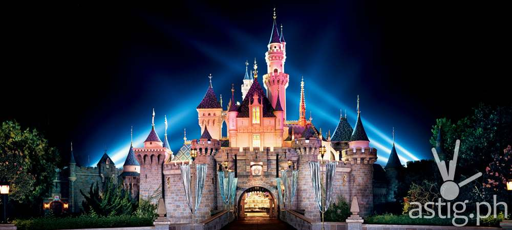 http://astig.ph/wp-content/uploads/2016/02/1-disneyland_castle.jpg