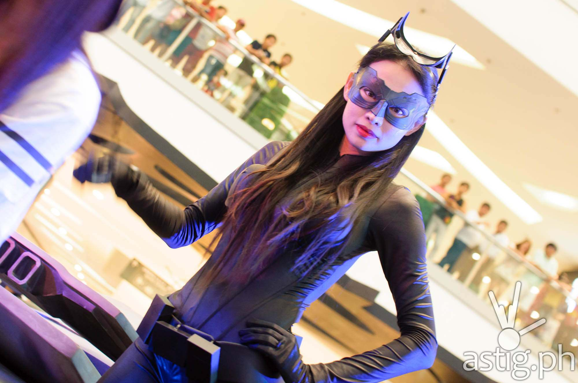 Oh hey it's Catwoman! Can you say R-A-W-R?