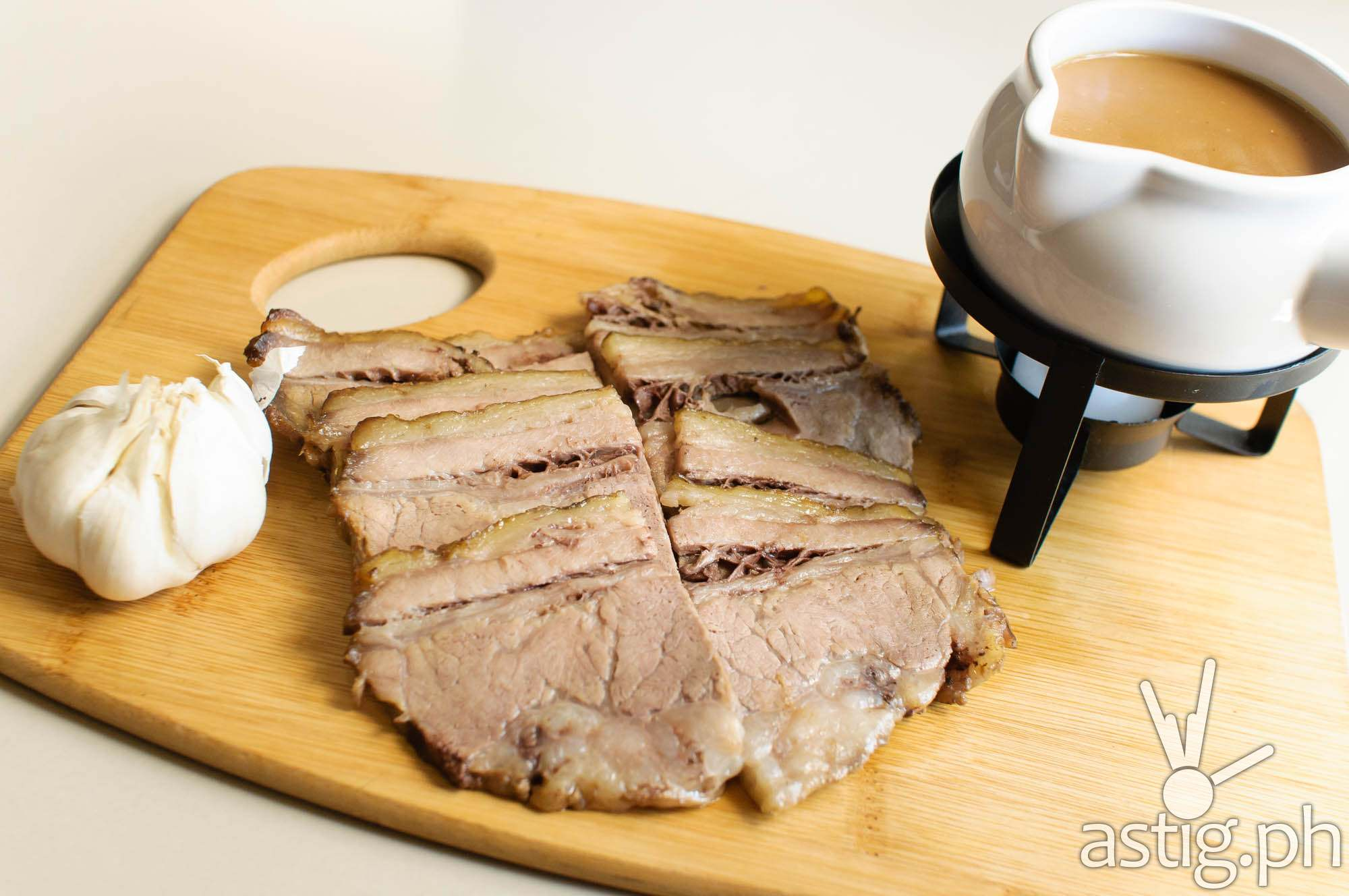 The famous roast beef of The Round Table Kapitolyo