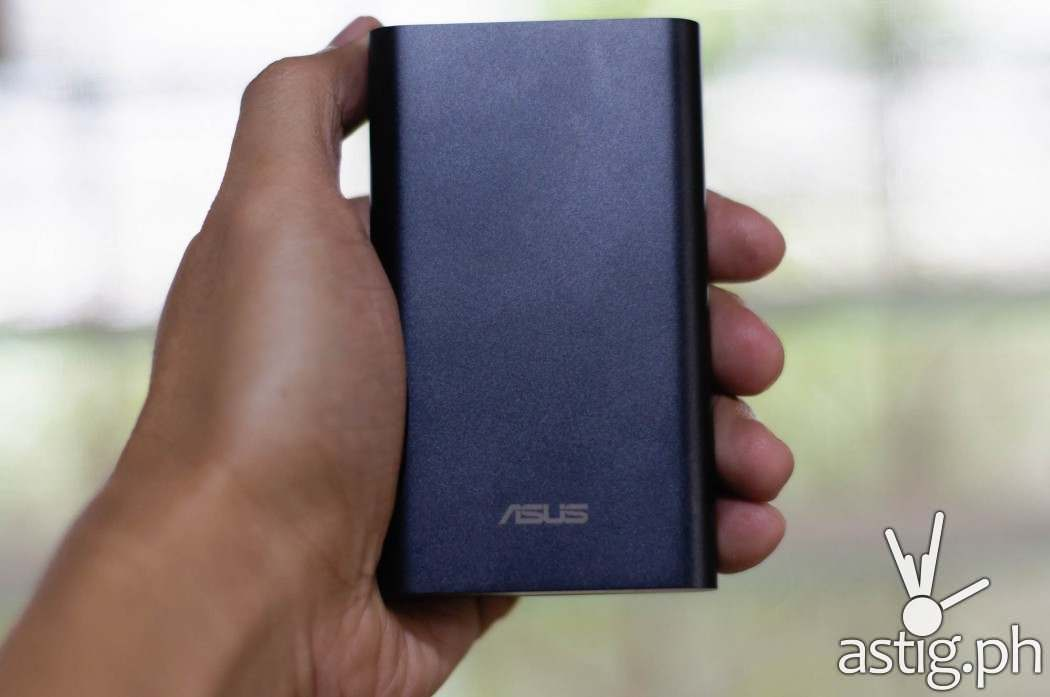 The new ASUS ZenPower pro is still a card-sized beauty with 10050 mAh of power