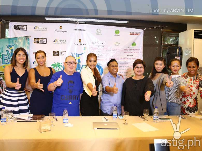 L-R Gretchen Ho, Alexa Micek, tournament director Tony Liao, Charo Soriano, Gabriel Lingan of CEZA, ABS-CBN Sports + Action HD Channel head Jojo Estacio, Fille Cayetano, Bea Tan and Dzi Gervacio (Photo by Arvin Lim)
