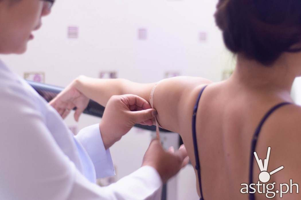 Therapists Contours will take your body's measurements before and after the treatment program to check on your progress