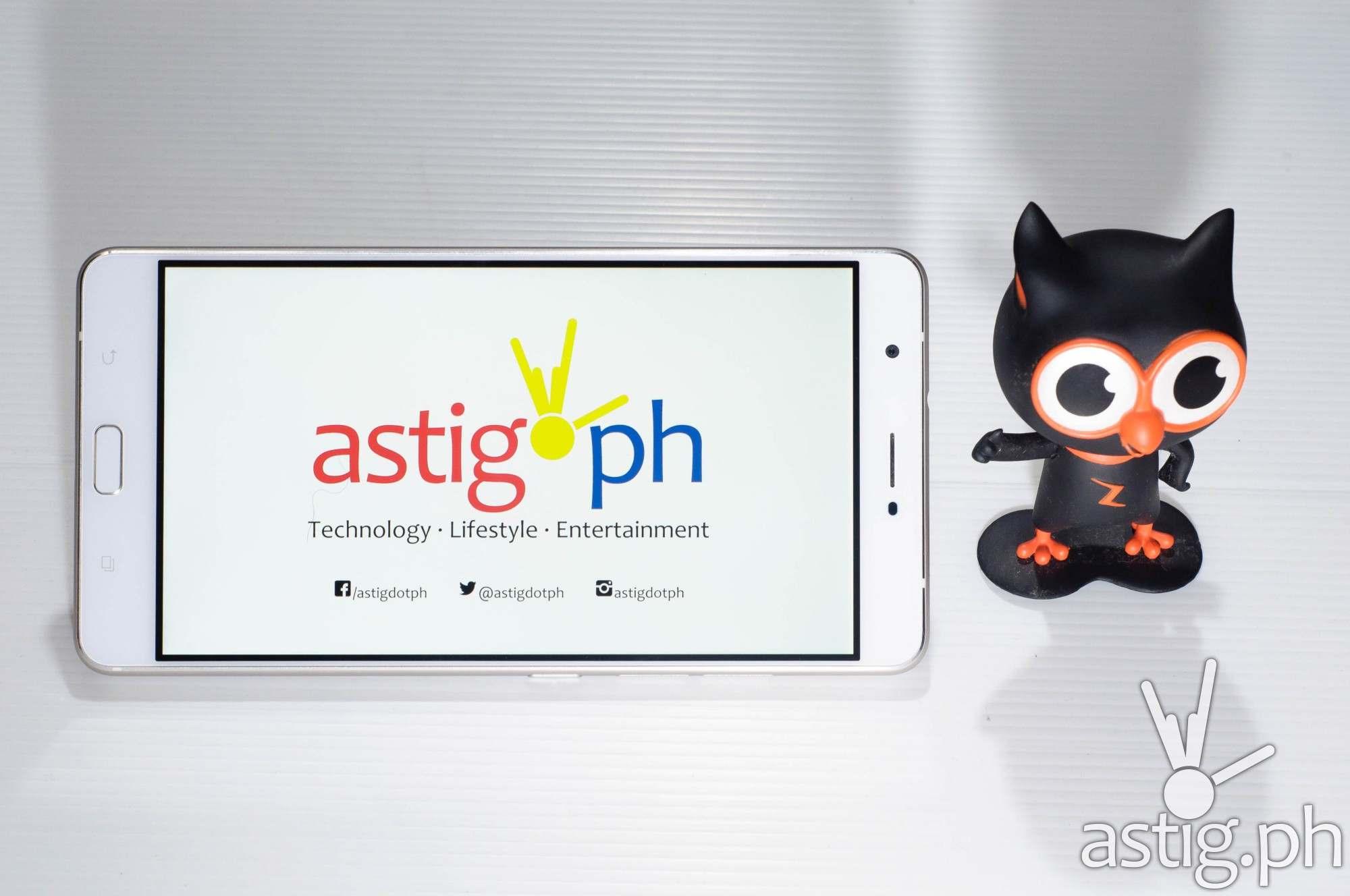 ASUS Zenfone 3 Ultra - front shot