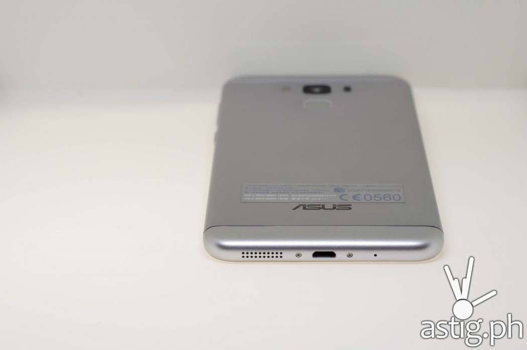 ASUS Zenfone 3 Max USB Type-C port and speaker grille