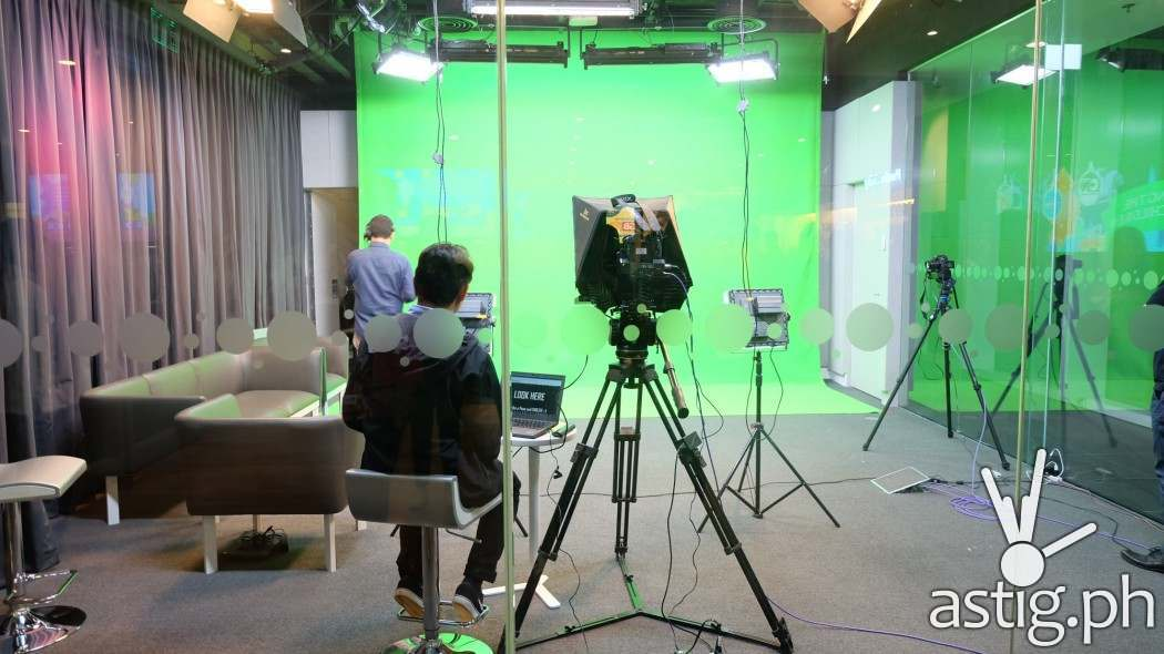 Globe Chroma key studio